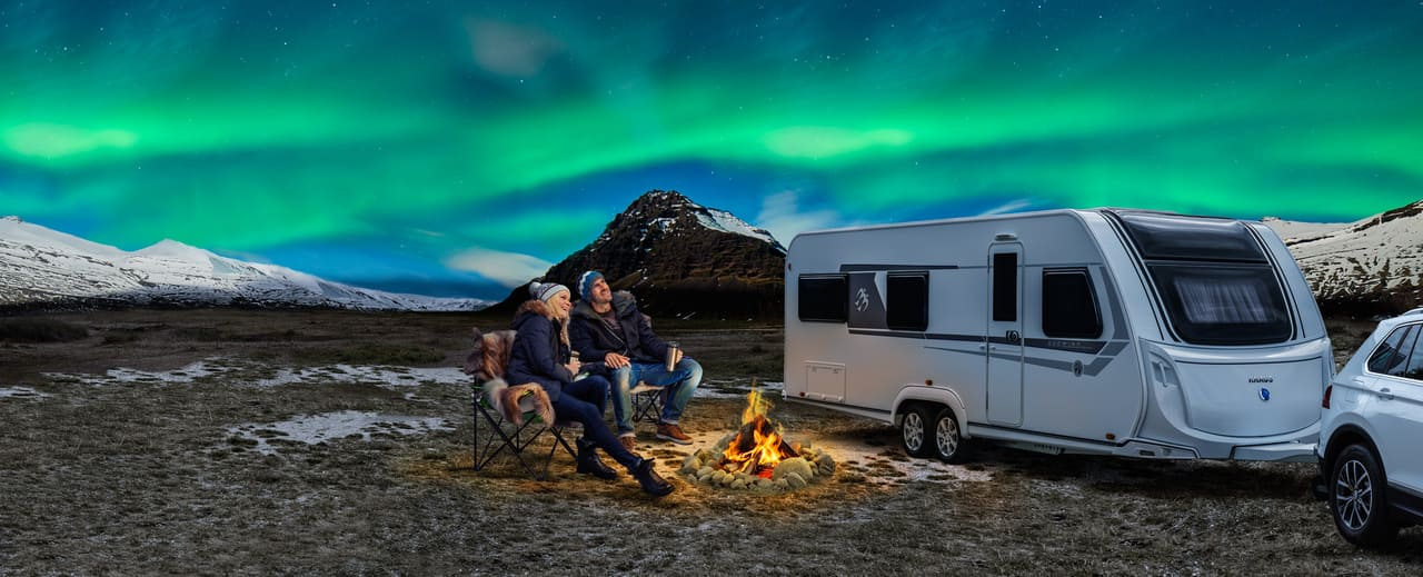 caravana invierno aurora boreal