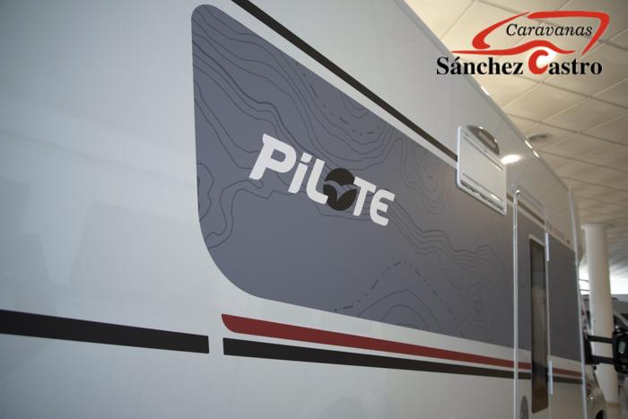 PILOTE P 746 C EXCLUSIVE EDITION ADVENTUR MODELO 2021 lleno